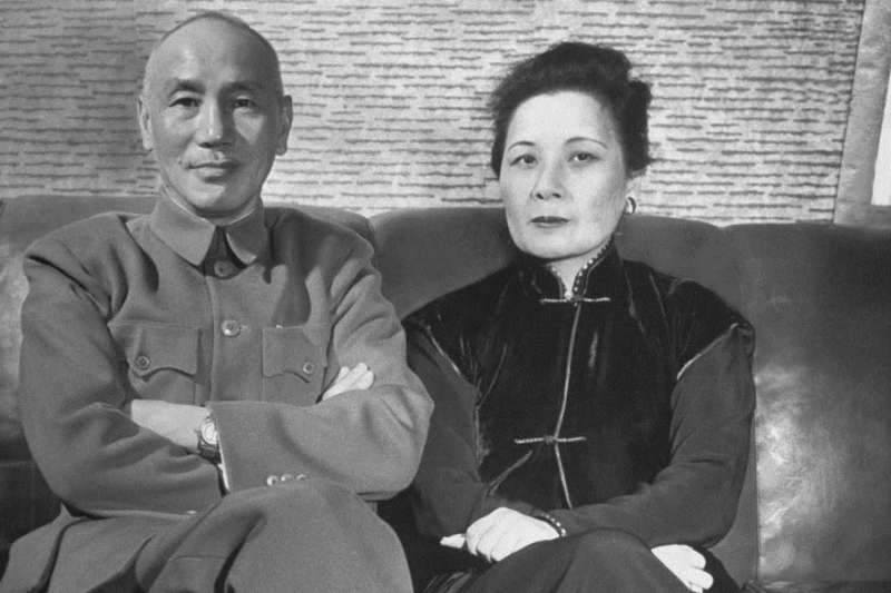 蔣介石與宋美齡。(圖/維基百科)