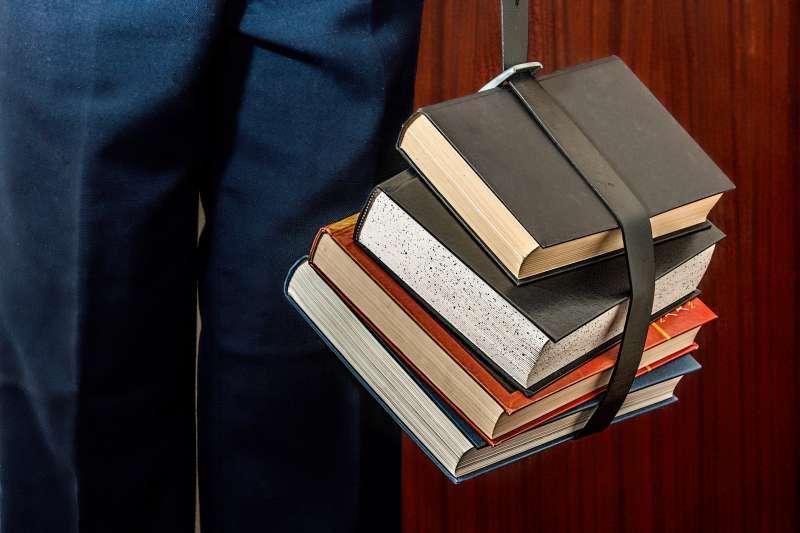 20200827-論文,書籍,閱讀,書本,研究。示意圖。(pixabay)