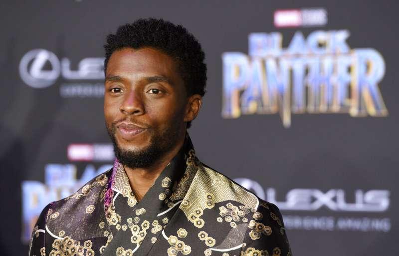 漫威電影「黑豹」男星查德維克博斯曼(Chadwick Boseman)因大腸癌病逝,享年43歲。(AP)