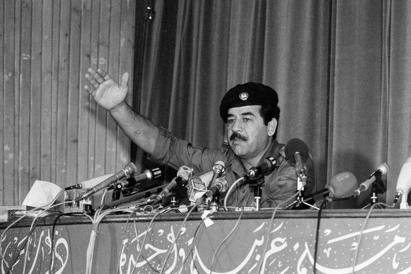 1980年的伊拉克總統海珊。(AP)