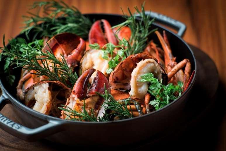 3燒烤龍蝦以伊勢龍蝦為主要食材,口感Q彈。(圖/Taiwan Tatler)