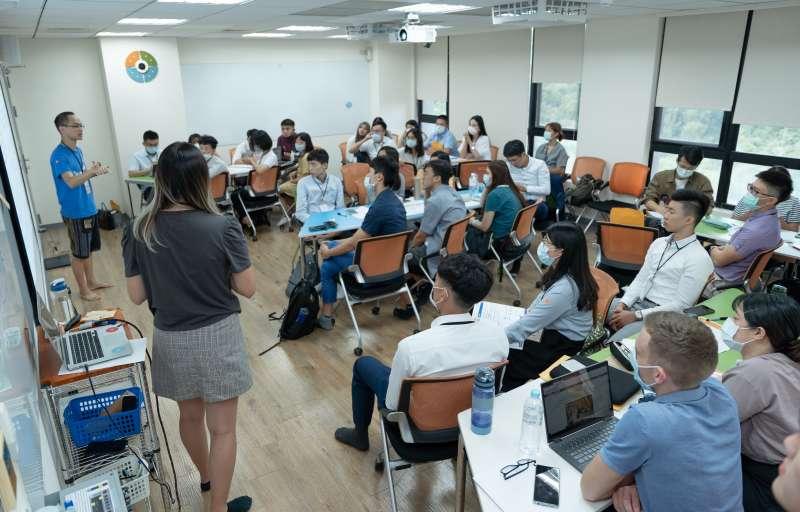 20200905-「亞洲青年論壇」藉由工作坊、實際參訪以及分組競賽等活動設計,達到議題深度討論、互動連結他國青年的成效。(長風基金會提供)