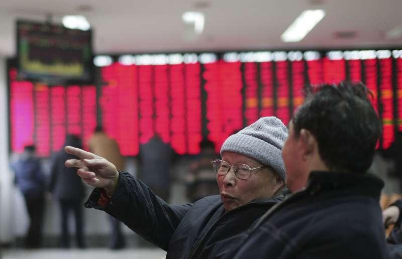 市場預估,中國今年的經濟成長率將介於2%到3%之間。(美聯社)