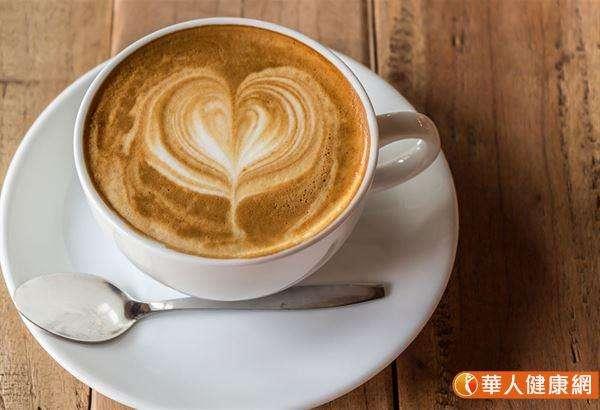 咖啡中的咖啡因也是脂肪分解的催化劑,能幫助加快體內脂肪分解。(圖/華人健康網提供)