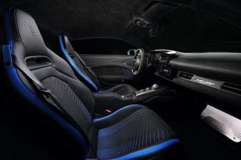 Maserati 全新世代超跑 MC20 內裝(圖 / Maserati Taiwan 提供)