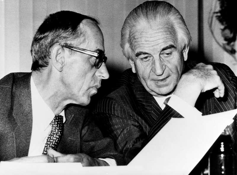 挽救BMW於破產邊緣的賀伯特(右),當年被德國上下視為傳奇商人(圖片來源:BMW檔案庫)
