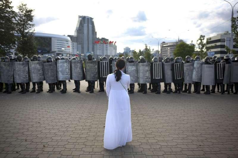白俄羅斯抗爭:民眾不畏鎮壓連六周走上街頭,要求萬年總統盧卡申科下台。(AP)