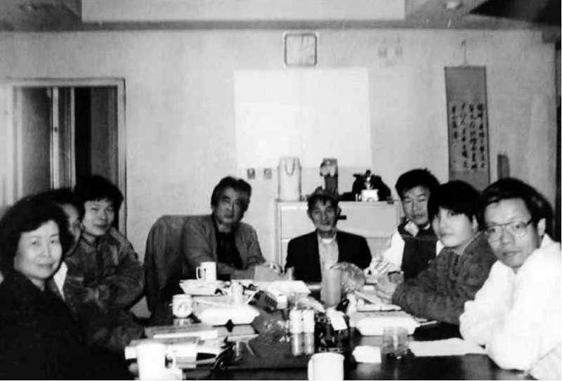 1995年,台灣社會科學研究會上課情形,右起金鴻文、黃素恩、曾健民、周良沛、陳映真、杜繼平、施善繼、曾淑霞_曾健民醫師追思紀念會籌備組提供.jpg