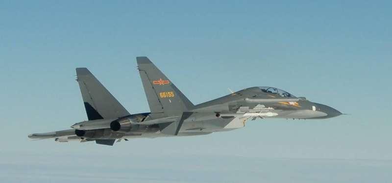 解放軍軍機屢屢越過海峽中線,侵犯台灣領空。(圖為Su-30,國防部提供)