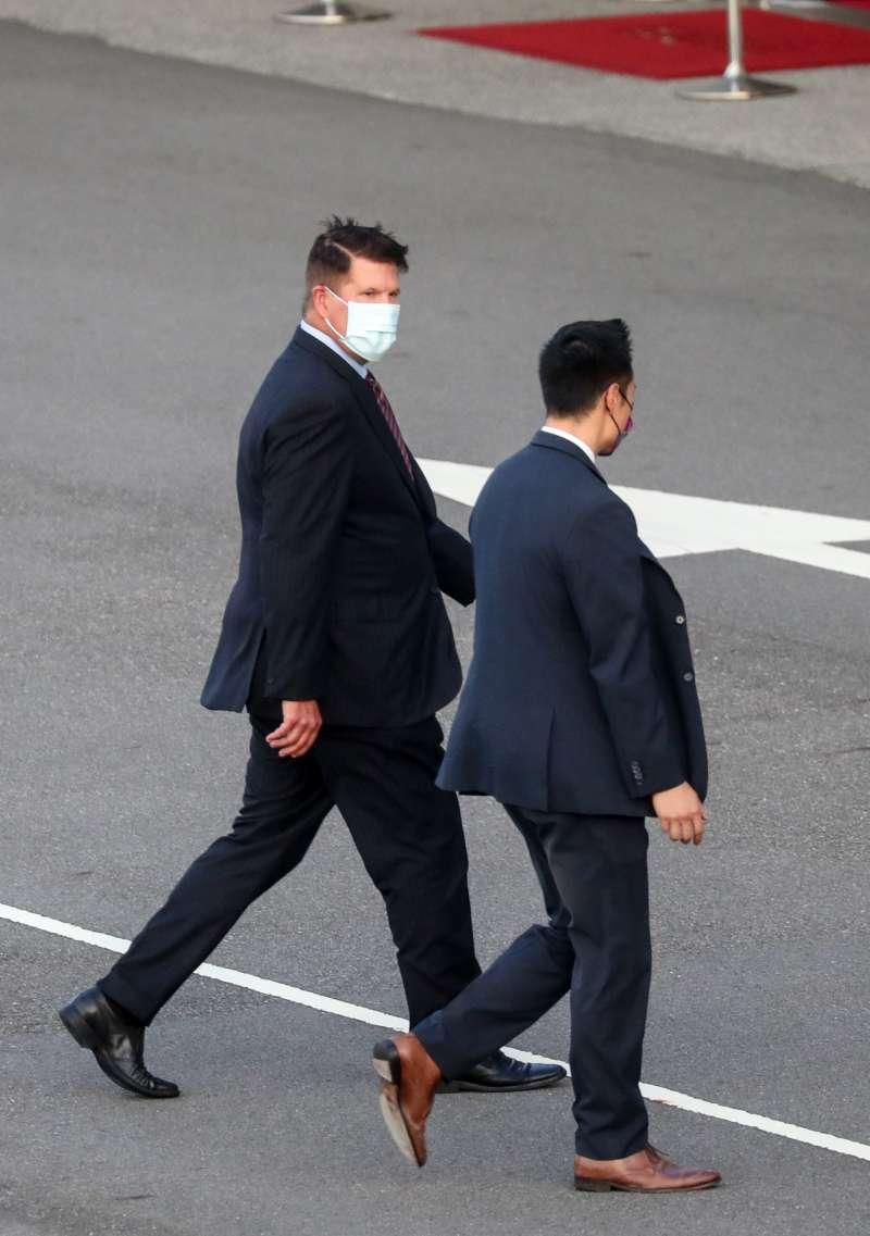 2020年9月17日,美國國務院次卿柯拉克飛抵台灣(AP)