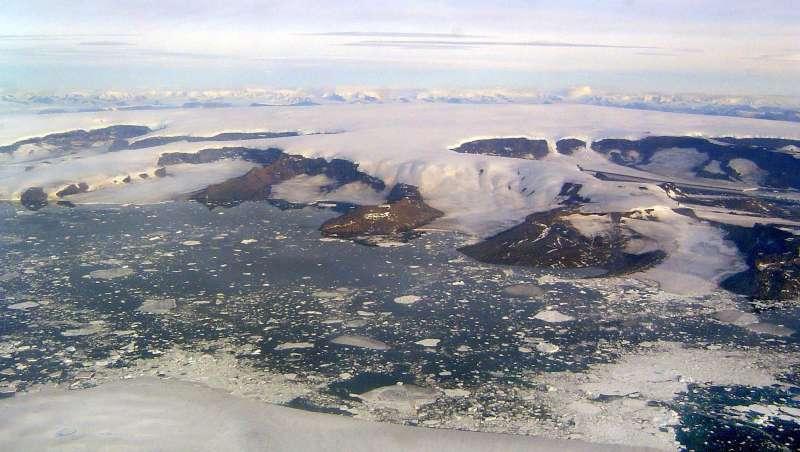 學者在9月15日觀測到北極海冰覆蓋面積低點,為記錄史上次低。(美國國家冰雪資料中心)