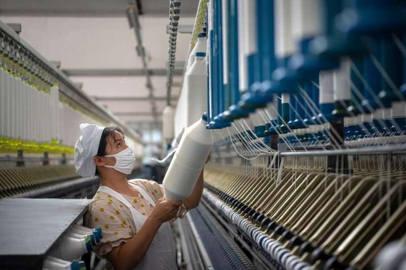 江蘇海安的一座紡織廠。(AP)