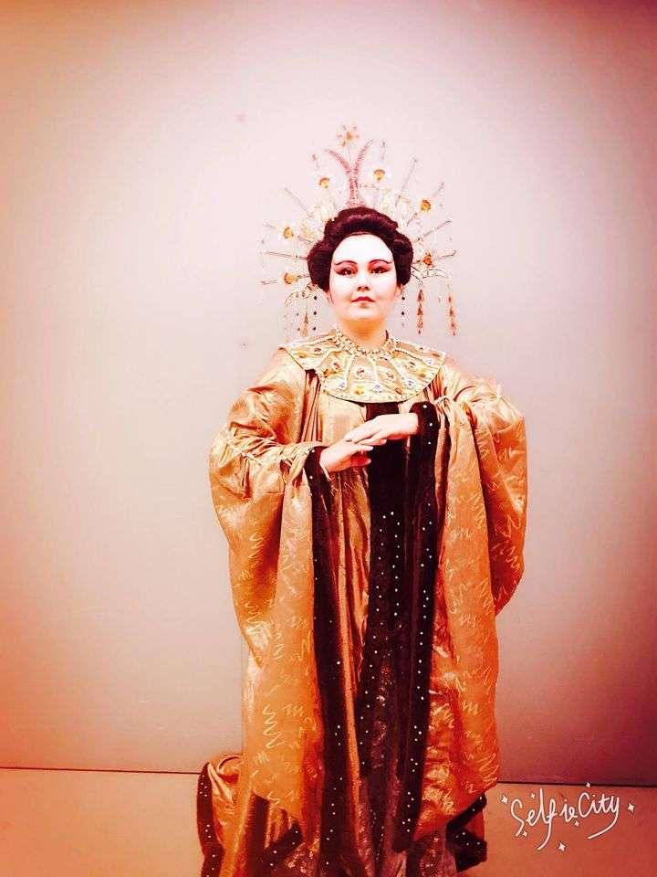左涵瀛在義大利半工半讀,鍛鍊出色的歌劇本領,成為浦契尼音樂節演出的首位華人女高音(圖片來源:左涵瀛粉絲團)