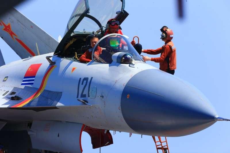 解放軍。遼寧艦的艦載機殲-15。(中國軍網)