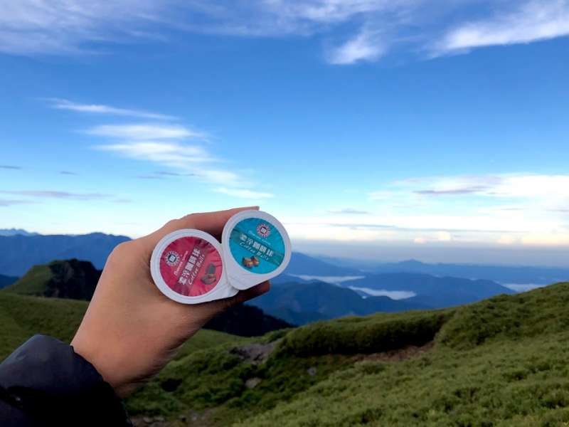 西雅圖咖啡球體積超輕巧,帶去露營、登山也無負擔