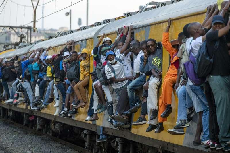 世界銀行總裁馬爾帕斯(David Malpass)說道:「新冠疫情將導致全球1.4%人口陷入極端貧困。」(美聯社)
