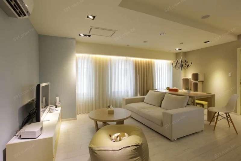 安裝間接照明的層板間容易藏灰塵,需要多加留意清潔問題。(圖/591房屋交易網提供)