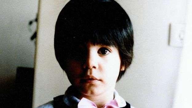年幼的 Shahrzad。(圖/擷取自BBC)