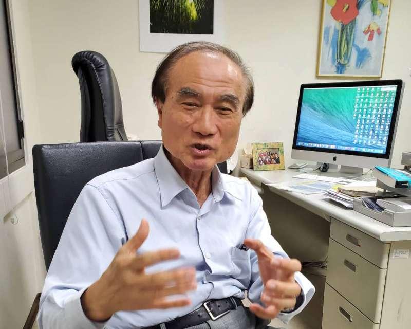 被台灣學界譽為「冠狀病毒之父」的中研院院士賴明詔指出,這次疫情讓全球科學家同一時間傾注全力研究同一種疫苗,這在史上也堪稱頭一遭。(黃天如攝)