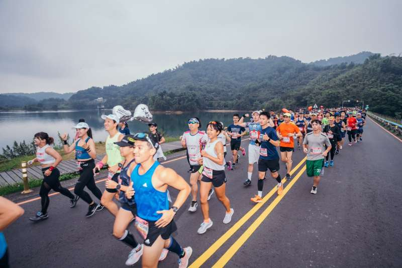 日月潭環湖馬拉松賽為國內少數有國際認證賽事,參賽選手全力以赴跑出好成績。(圖/日月潭風管處提供)
