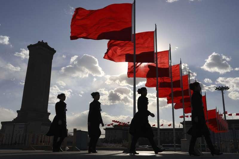 亞洲實力指數報告指出,今年因新冠疫情衝擊,美中之間的差距大幅拉近,預計中國十年內將追上美國。(美聯社)