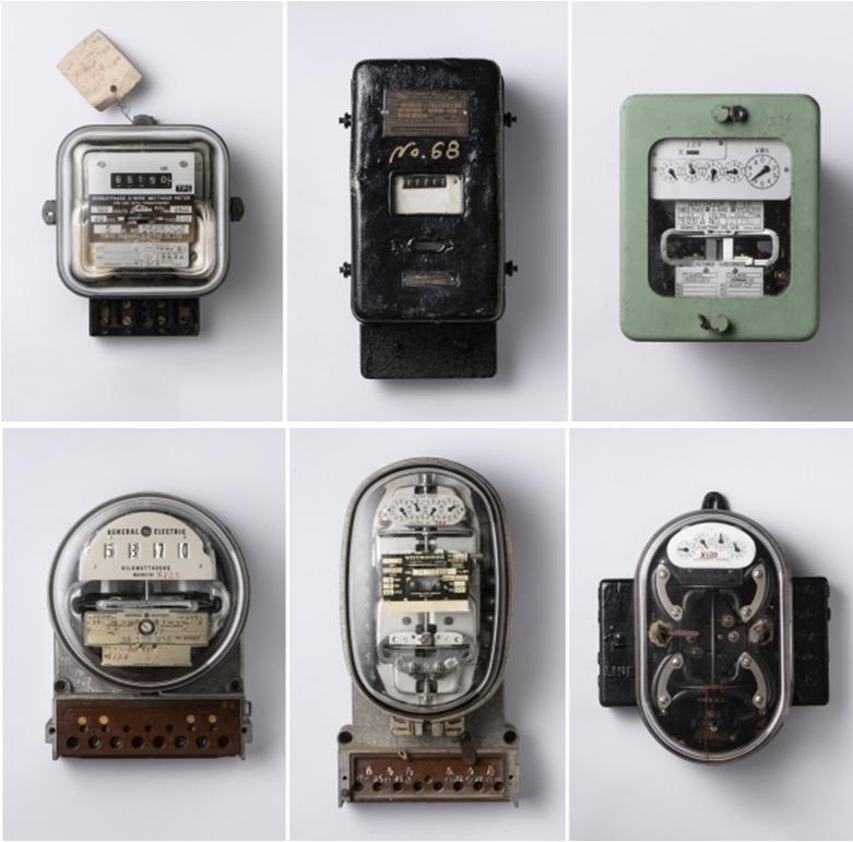 台電-島嶼脈動展展出自1941年起各種不同時期的電表,透過不同時代下的文資物件,看見電力傳輸技術與民生用電的脈絡。(圖/樸實創意提供)