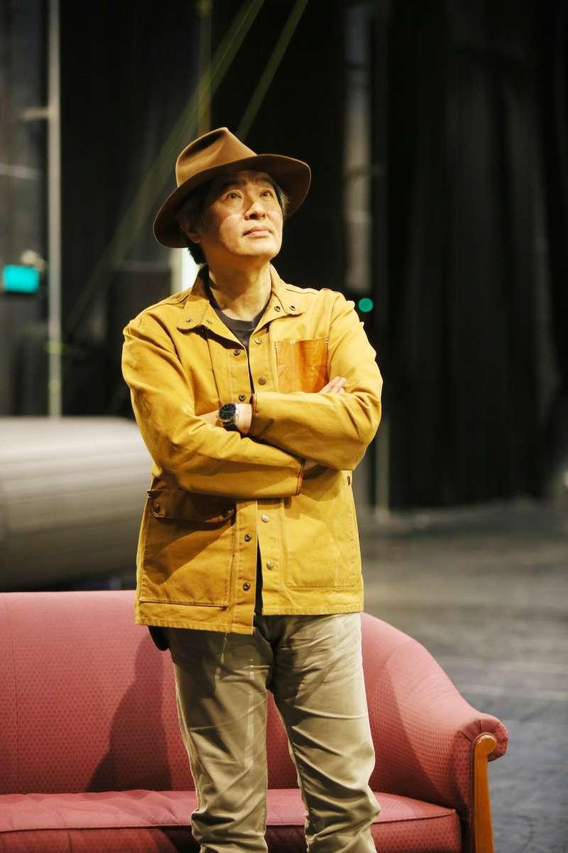 王孟超認為台灣藝術能量充沛,但是單打獨鬥難以步上國際舞台,期望透過場館的連結來讓台灣藝術家被國際看見。(柯承惠攝)