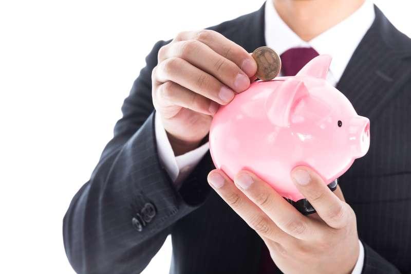 了解這些優勢,對退休後的理財規劃,很有幫助。(示意圖/pakutaso)