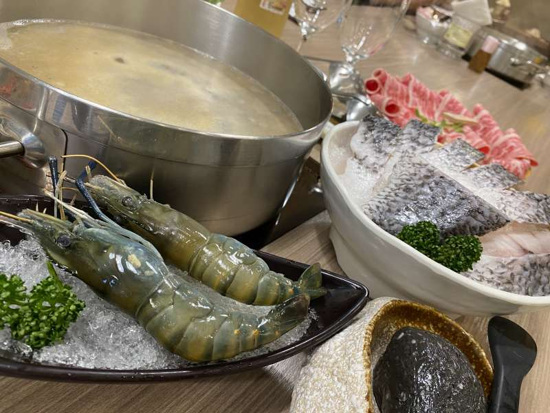 圖二、有汕頭火鍋業者打破傳統印象,將泰國蝦置入菜單中,吸引顧客瘋狂加點。(圖/段泰國蝦提供)