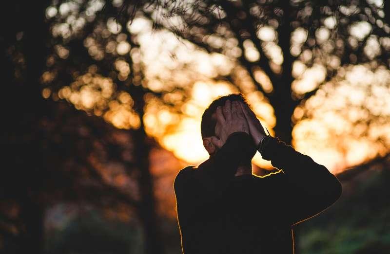 失業 低潮 憂鬱 焦慮(StockSnap@pixabay)