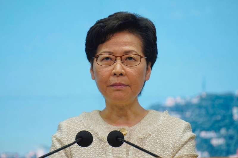 林鄭之前勸說遭DQ的4名議員留任,是為讓反對派內訌。(美聯社)