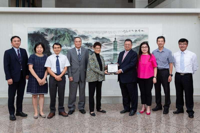 台北101與林鴻明及當年設計營造營運團隊共享榮耀,林鴻明分享台北101屢獲國際肯定的關鍵。(圖片來源/優新聞)