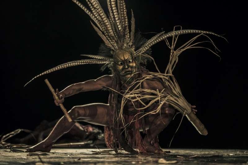 無垢舞蹈劇場《花神祭》舞碼-夏影。(圖/台中國家歌劇院提供;攝影/陳點墨)