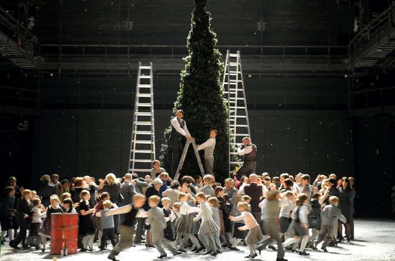 臺中國家歌劇院2020NTT遇見巨人-《波希米亞人》。(圖/國家歌劇院提供)