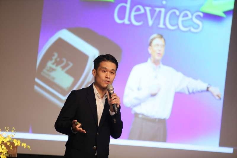 銘傳大學30日舉辦「金融╳科技╳創新」年度論壇,圖為知惠科技執行長王達人。(柯承惠攝)
