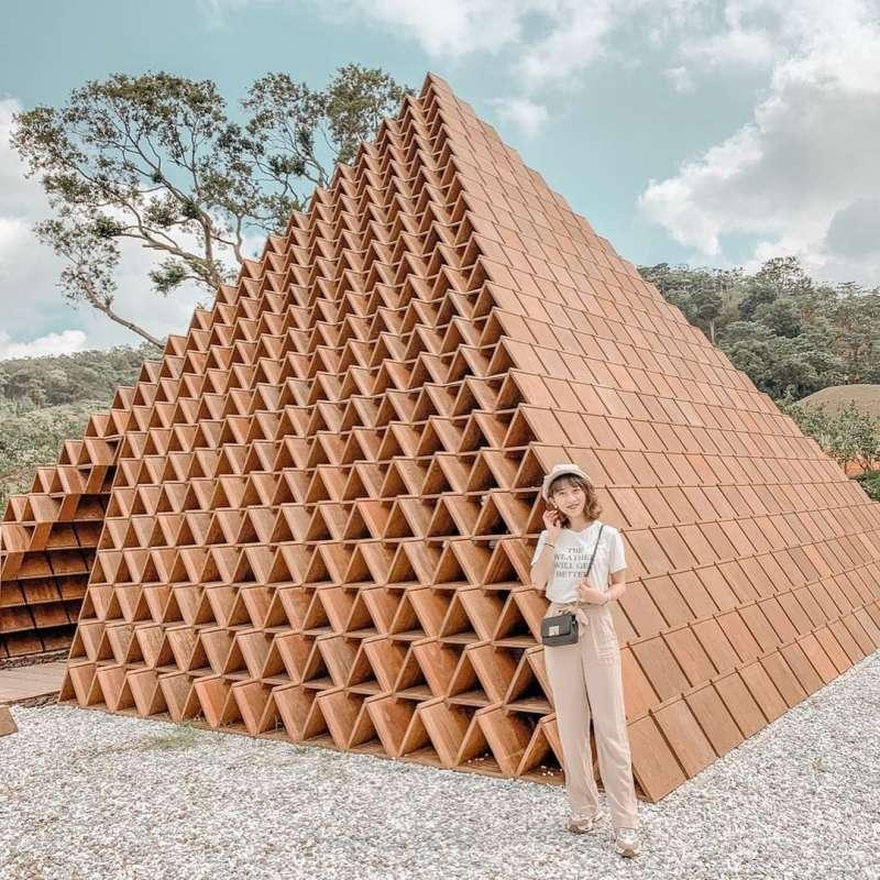 積木金字塔是日本建築大師隈研吾設計,更是大家必拍的景點(圖/shihhan8185@instagram提供)