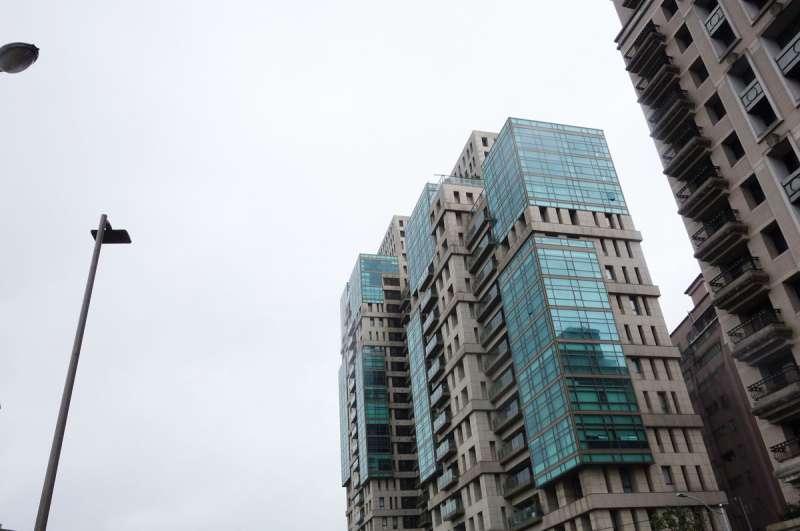 羅志祥在自家豪宅文心AIT(圖)頂樓違規建泳池。(林瑞慶攝)