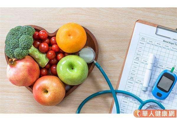 168間歇性斷食有很高的風險會出現「營養素缺乏症」,特別是挑食與飲食不均衡的民眾特別危險。 (圖/華人健康網)
