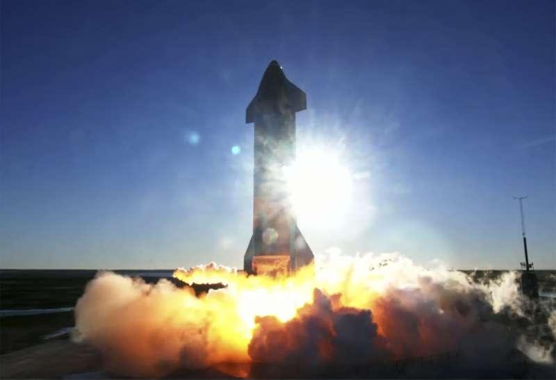 星艦是SpaceX推出的新型可重複使用運載火箭,用於未來登月及火星任務。(AP)