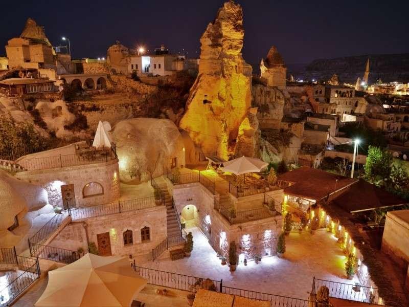 土耳其卡帕多奇亞的洞穴旅館。(圖/取自Grand Cave Suites官網)