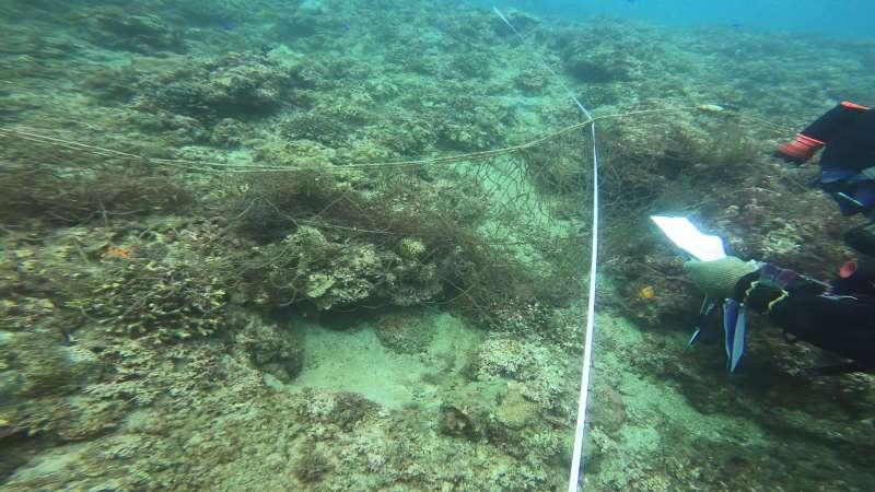 20201212-海底垃圾調查於貢寮海域發現廢棄漁網(工業技術研究院提供)