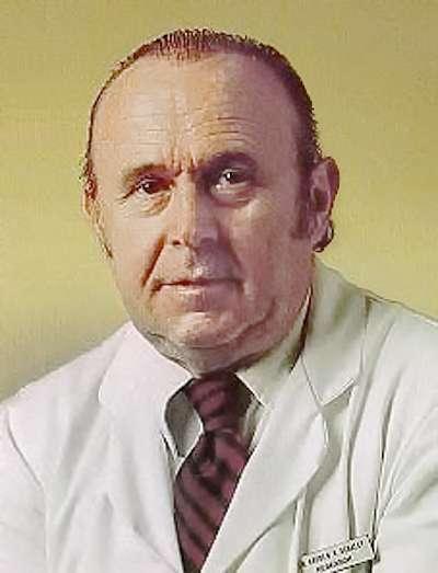 薛利(Andrew V. Schally)(取自維基百科)