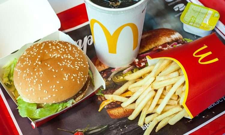 你在台灣吃的麥當勞雖然經營權是在台灣人手上,但終究這還是美國的品牌企業喔!(圖/慢活夫妻投資理財)