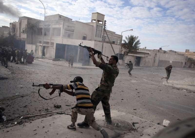 2011年爆發的阿拉伯之春在政府強烈鎮壓下演變成大型武裝叛亂。(AP)