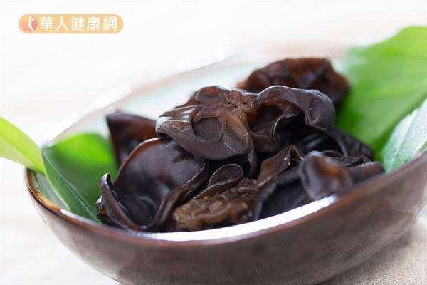 黑木耳含有抗凝血物質,能減少血小板凝結,降低罹患心血管疾病的風險。(圖/華人健康網)