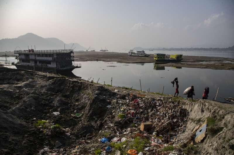 中國擬在雅魯藏布江進行水電開發計畫,印度則憂心水源被攔截,欲在下游的布拉馬普特拉河興建水壩因應衝擊。(AP)