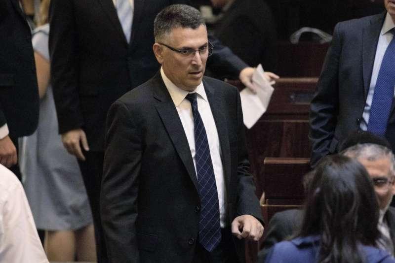 以色列大選,以色列將舉行2年內第4次大選,右派議員薩爾自組「新希望黨」,挑戰史上在任最久的總理納坦雅胡。(AP)