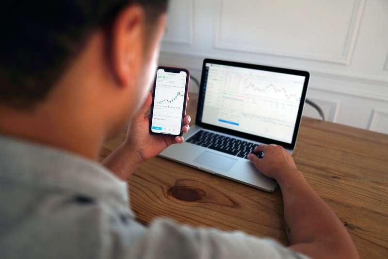 公開推薦股票清單! 瞄準高殖利率好股賺價差、收股息。(圖/Unsplash)