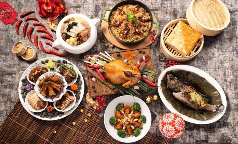 台北六福萬怡酒店旗下粵亮廣式料理推出「金牛賀喜 外帶常溫年菜」,每組6人份只要7,999元,在家就能享受到飯店主廚親製美味年菜。(圖/六福旅遊集團)
