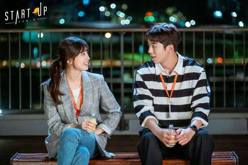 劇中南柱赫飾演木頭型的標準理工男,用努力漸漸贏得秀智的芳心。(圖/tvN 드라마(Drama) 粉專)